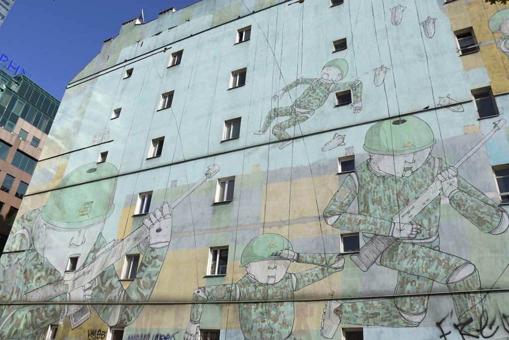 warszawskie murale
