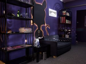 black cat escape room